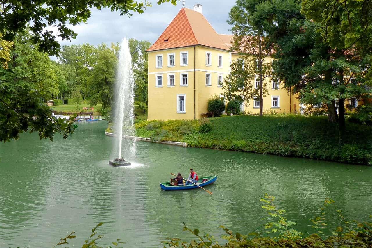 Ruderboote-Freizeitpark