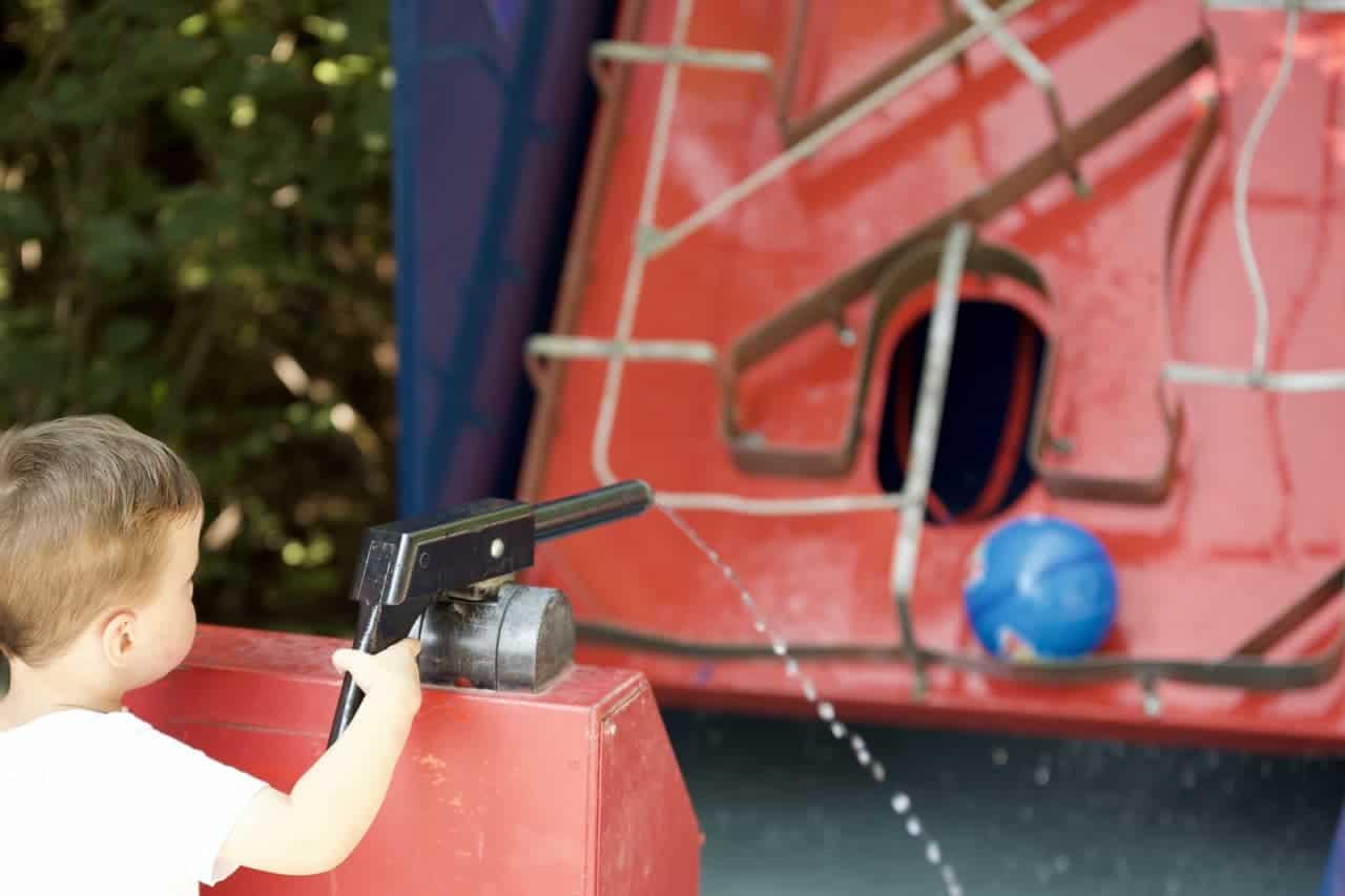 freizeitpark-attraktion-wasserballanlage-02-min